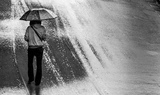 Après-midi arrosé  by Aiky Ratsimanohatra via Flickr