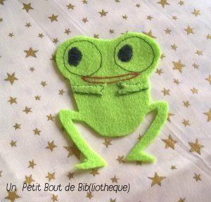 ma petite grenouille faite de feutrine et coutures