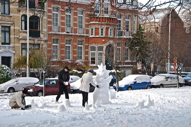 Bonhomme de neige au square Riga by Stéphane Mignon via Flickr