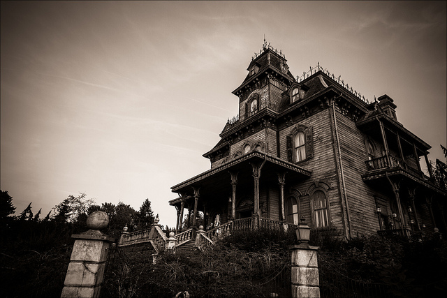 Haunted mansion  by Adrien Sifre via Flickr